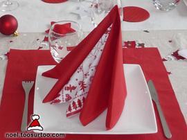 Pliage de Serviette double pyramide : serviettes unie et colorée