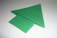 Pliage de serviette en forme de chausson botte de lutin for Pliage de serviette en forme de sapin pour noel
